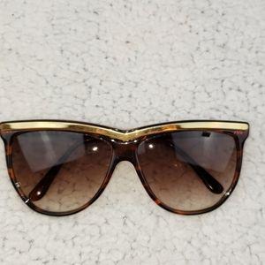 Ellen Tracy sunglasses